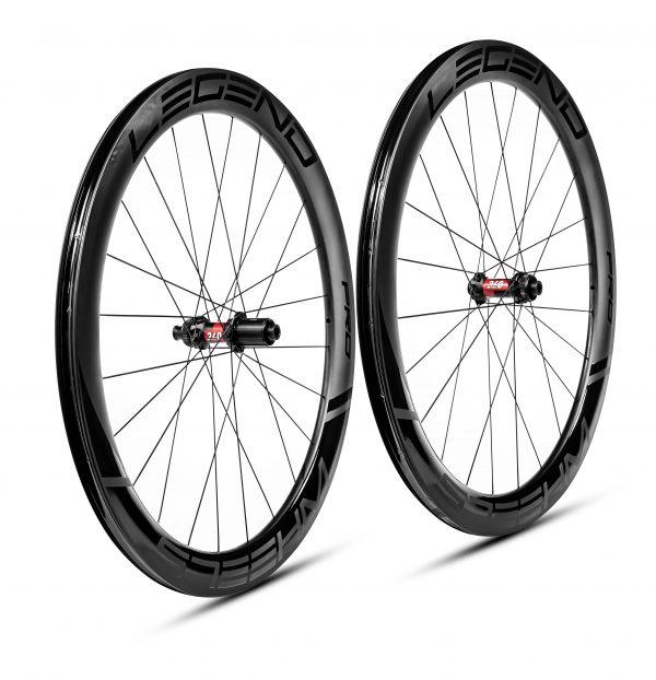 roues carbone pour le triathlon, roues carbone warren barguil, roues carbone bretagne, roues vélo Axel Crochard, roues vélo carbone toulouse, roues carbone team jdk
