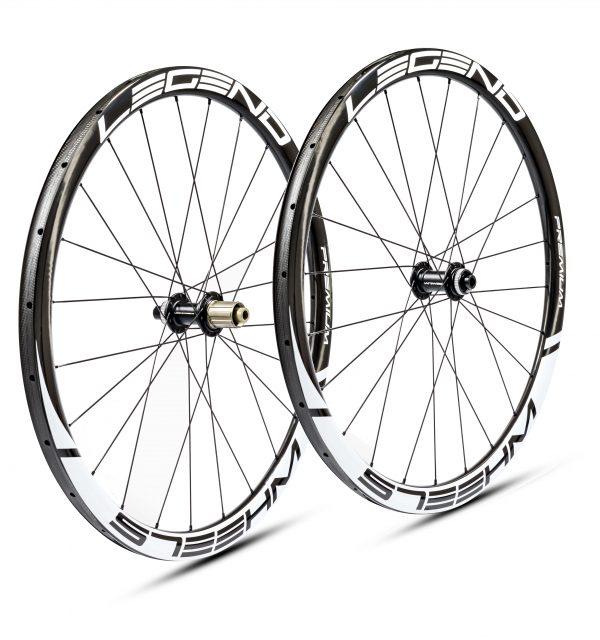 roues cyclo cross carbone disc 38mm sont des roues artisanales assemblées près de Toulouse