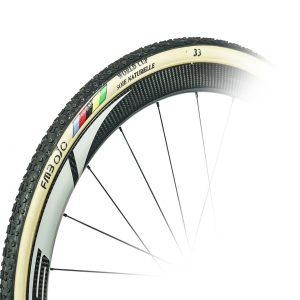 Les roues cyclo cross carbone disc 38mm sont des roues artisanales assemblées près de Toulouse avec les moyeux Dt Swiss 350, 240EXP et 180EXP.